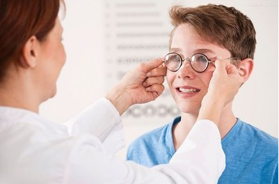 卡他林眼药水治疗真假混合性近现有好