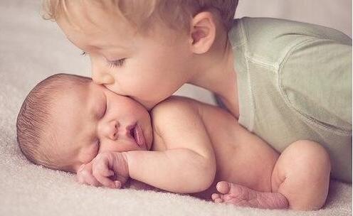 生二胎和生头胎有啥不一样 二胎间隔时间