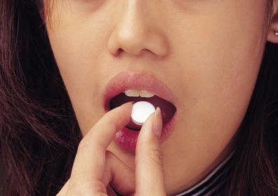 输尿管结石发作时舌下含服硝苯毗啶